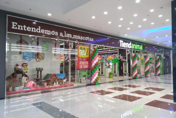TiendAnimal C.C. Nevada Shopping, Granada.